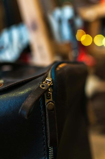 gallery-black-leather-bag-zip-modern-and-tribal